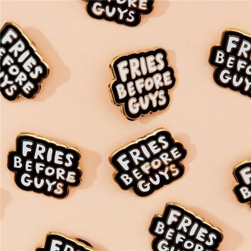 20 stickers cực chất nên có ngay trong tủ đồ của bạn