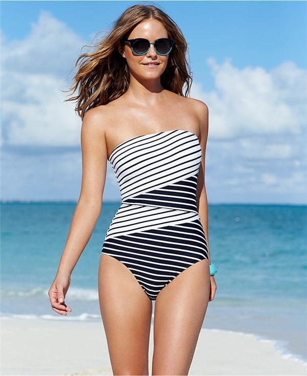 Bikini một mảnh cứu cánh cho mọi cô gái trong mùa hè này