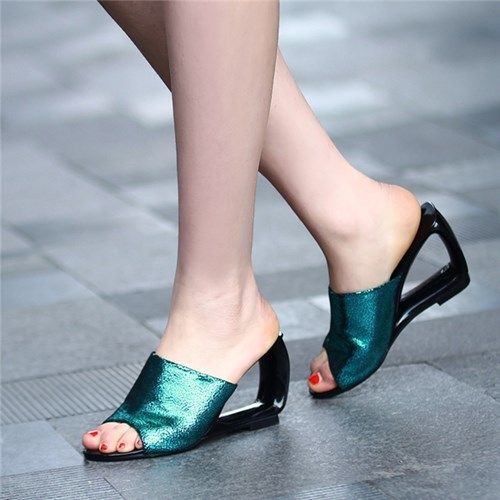 Kiểu sandal nàngcần phải sắm ngay hè này