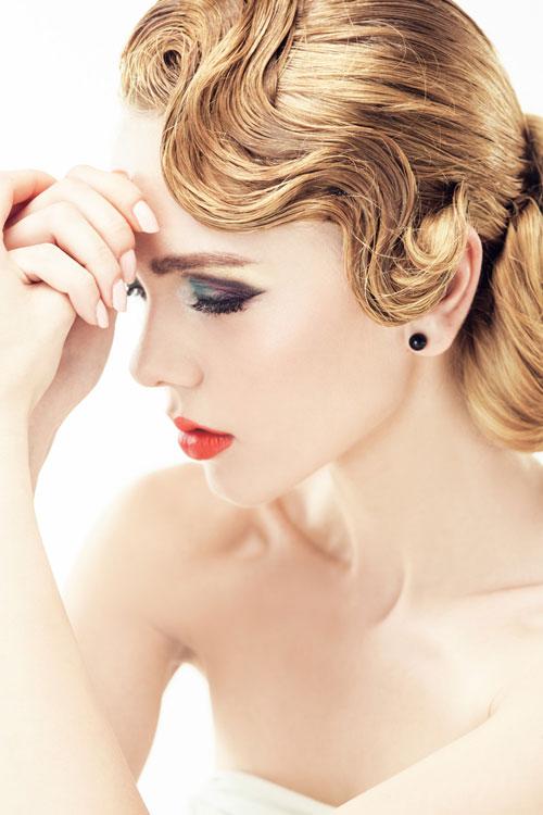 Kiểu tóc uốn gợn sóng cổ điển cho nàng đầy sang trọng