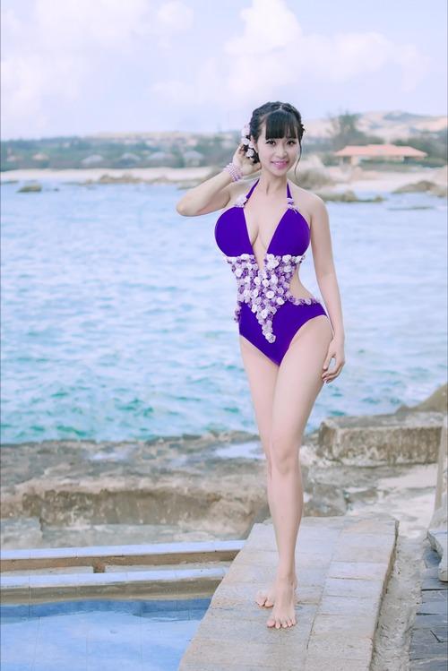 Lê kiều như mặc bikini nóng hơn ngọc trinh midu