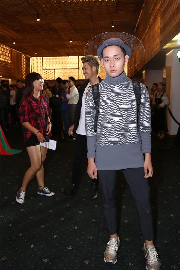 nóng mặt với những kiểu thời trang phang thời tiết của giới trẻ