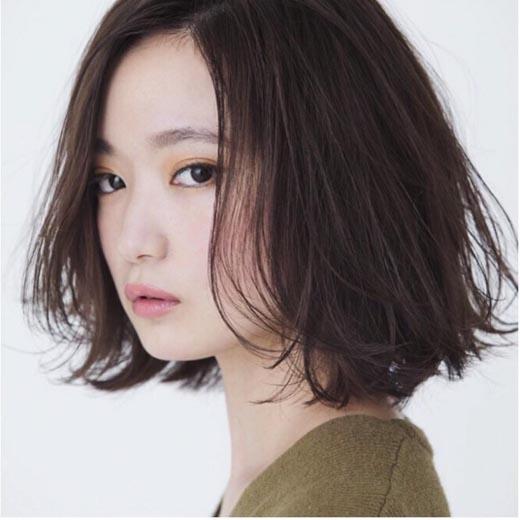 3 mẫu tóc mang đến sự dịu dàng cho nàng mặt tròn mũm mĩm