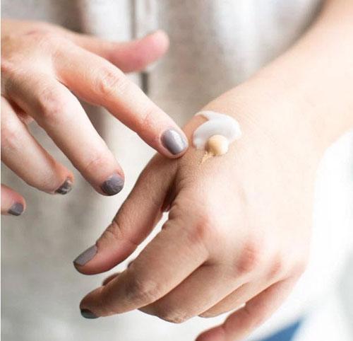 Bí quyết dưỡng da kết hợp trang điểm tuyệt đỉnh của phái đẹp hàn