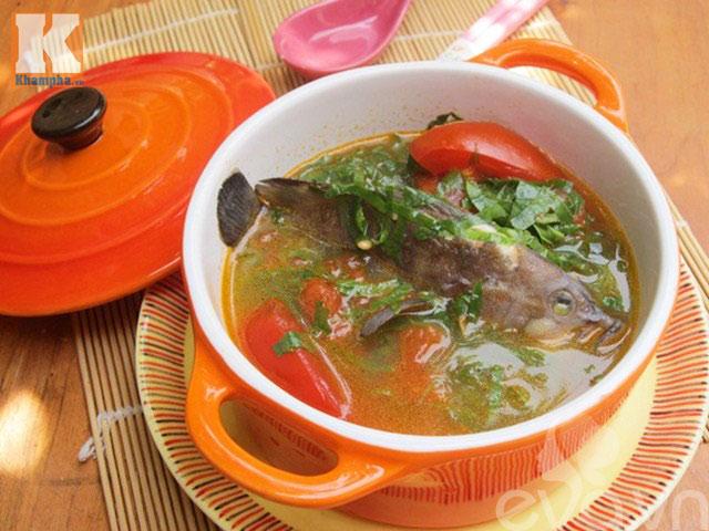 Cách nấu món canh cá mú nấu lá lốt nóng hổi