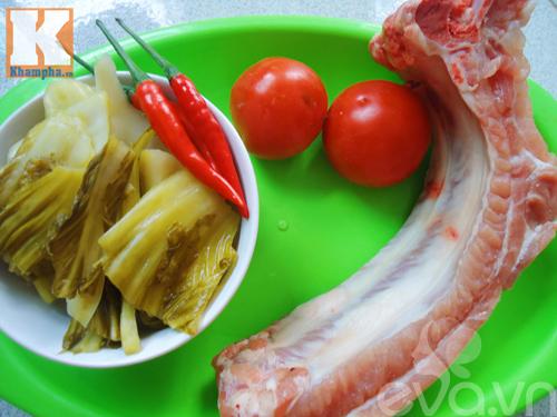 Hướng dẫn làm món sườn sốt dưa chua đậm đà trôi cơm