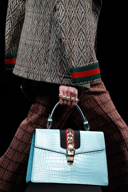 Khó cưỡng trước vẻ đẹp những chiếc túi milan