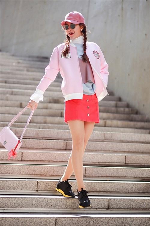 Minh hằng nổi bật với thời trang hàng hiệu ở seoul