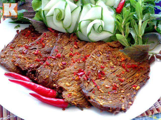 Nhâm nhi món thịt bò khô cay nồng