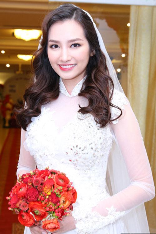Những kiểu tóc cô dâu đẹp nhất của sao việt