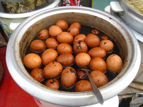 Thướng thức trà trứng gà độc lạ từ hương vị đến hình thức