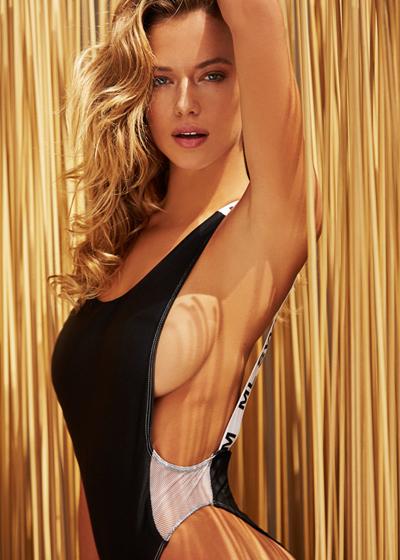 Tiết lộ hậu trường chụp ảnh áo tắm gây sốc của người mẫu mỹ