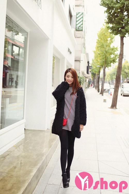 Áo khoác lông nữ dáng ngắn cho nàng ấm áp