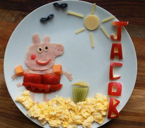 Cách mẹ trang trí món ăn cho bé theo hình các nhân vật
