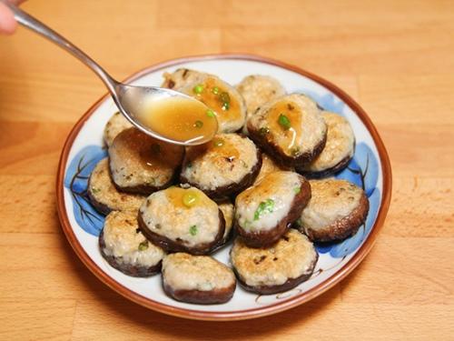 Cách nấu cá nhồi nấm đơn giản ngon cơm