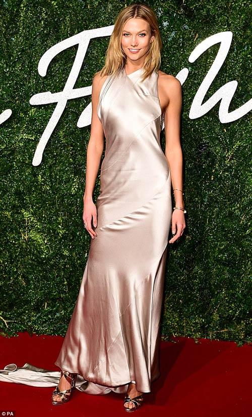 Kendall jenner lọt top người mẫu giàu nhất thế giới khi mới 19 tuổi
