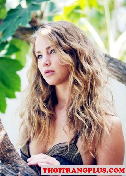 Kiểu tóc xoăn sóng biển đơn giản giành cho bạn gái