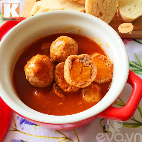 Món ngon thịt viên bí đỏ sốt cà chua nóng hổi