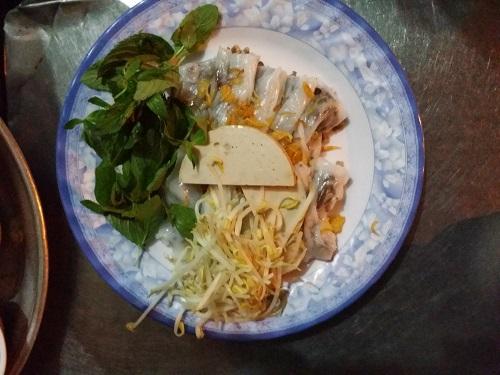Ngon tuyệt bánh xèo hải sản và bắp nướng mắm nêm ở phú yên