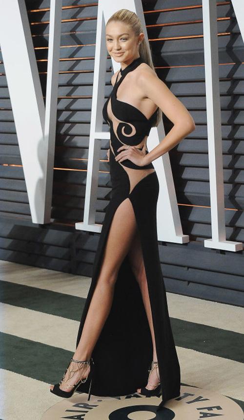 Những chiếc váy gợi cảm của sao thế giới