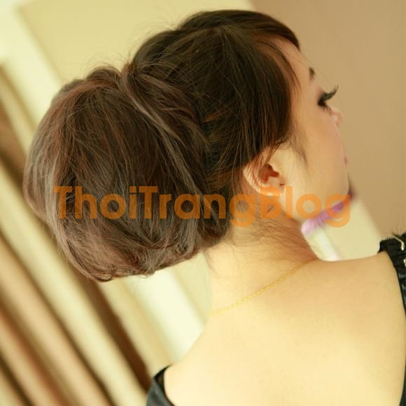 Những kiểu tóc xoăn buộc cao đẹp năng động những ngày nắng nóng