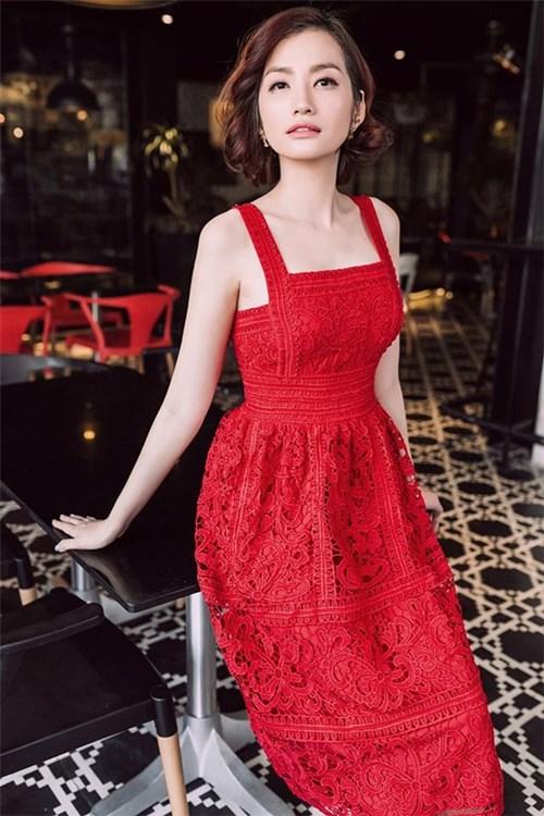 Rực rỡ váy xòe cho ngày đầu xuân như mĩ nhân việt