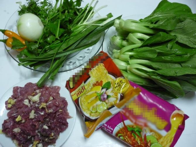 Ngon xuýt xoa mỳ xào thịt bò rau cải