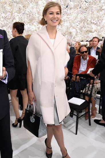 Sao hollywood đa phong cách khi xem thời trang cao cấp