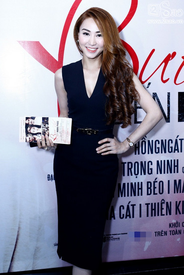 Việt trinh jennifer phạm với vẻ đẹp sang trọng