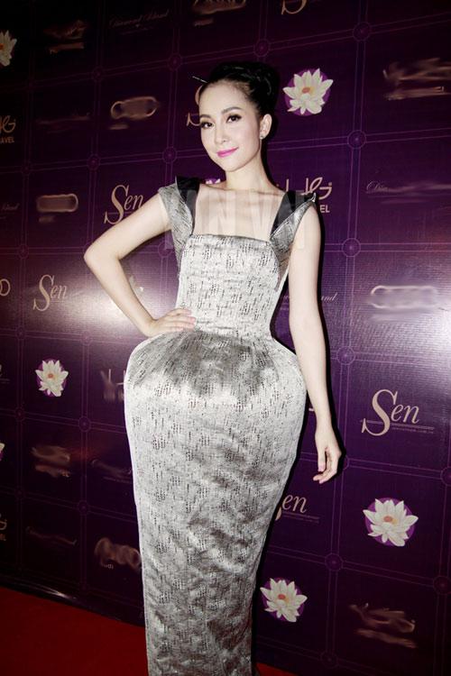10 style sang trọng như bà hoàng của linh nga
