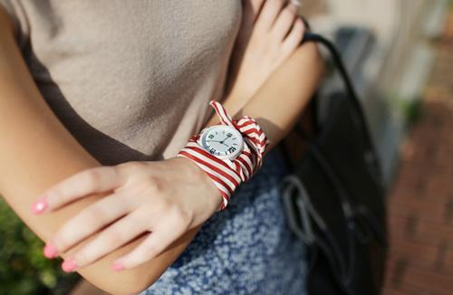 Đồng hồ đeo tay thiết kế đơn giản nhưng cực chất