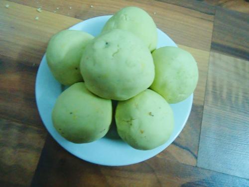 Cách làm xôi bọc lá dứa đậu xanh cho bữa sáng