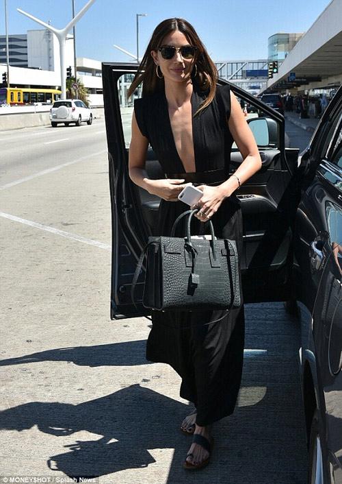 hot girl hollywood nơm nớp lo sự cố tụt váy