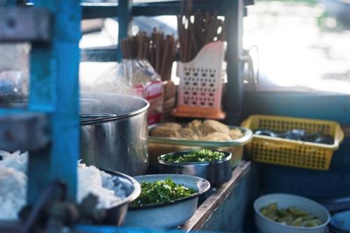 Những quán ăn di động trên dòng hậu giang