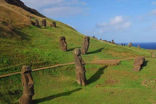 Bí ẩn về tượng đầu người ở đảo phục sinh có thân nằm dưới đất