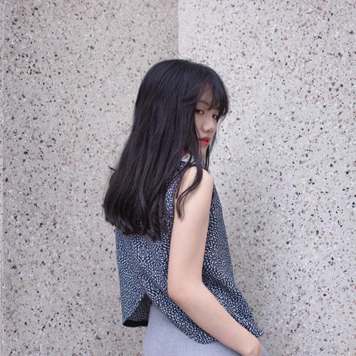 Kì lạ thiếu nữ việt ngày càng chuộng mặc áo bà bầu