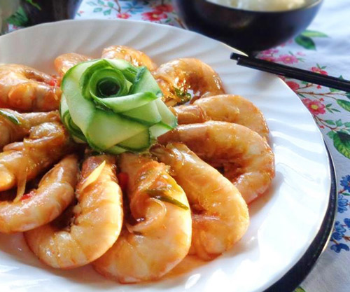 Cách chế biến món tôm chiên sốt chua ngọt ngon cơm
