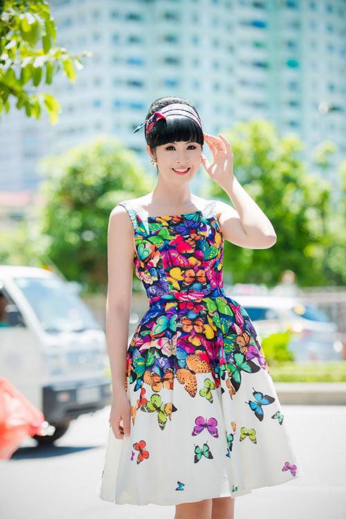 Hh ngọc hân diện váy xòe xinh như nàng tiên trong truyện cổ tích