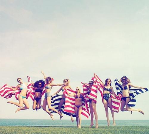 3 xu hướng bikini được sao thế giới đồng loạt lăng xê