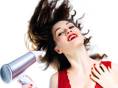 9 thói quen hàng ngày đang huỷ hoại mái tóc bạn