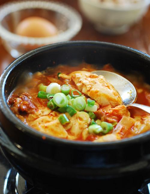 Bữa cơm hấp dẫn với 4 món canh ấm nóng