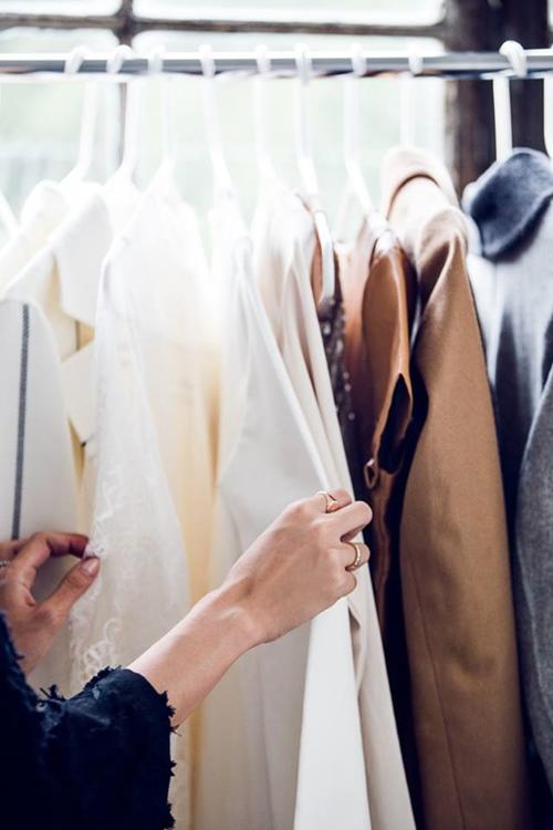 Cách xử lý quần áo đã lâu không mặc
