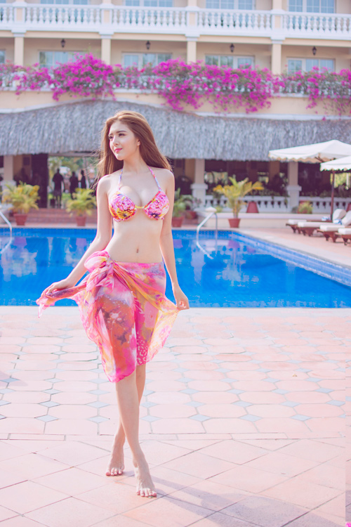 Hot girl lilly luta tung ảnh bikini gợi cảm chào hè