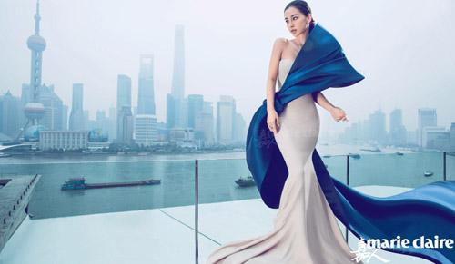 Người mẫu nội y đổ bộ hội chợ đồ lót lớn nhất châu á