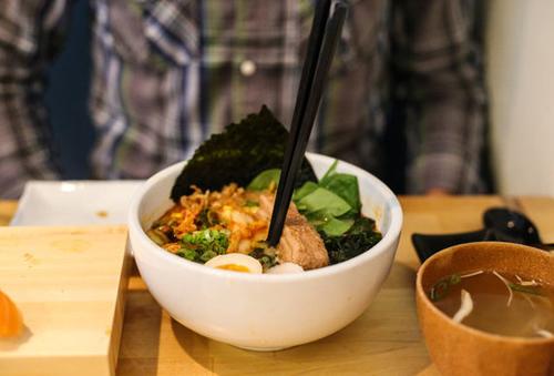 Những điều cấm kỵ trong bữa ăn không phải ai cũng biết