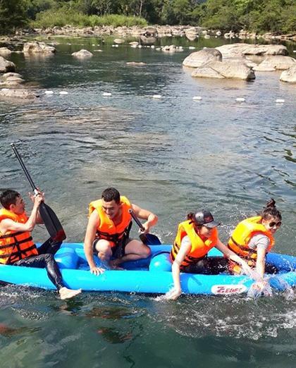 Trải nghiệm hòa với thiên nhiên ở suối nước moọc