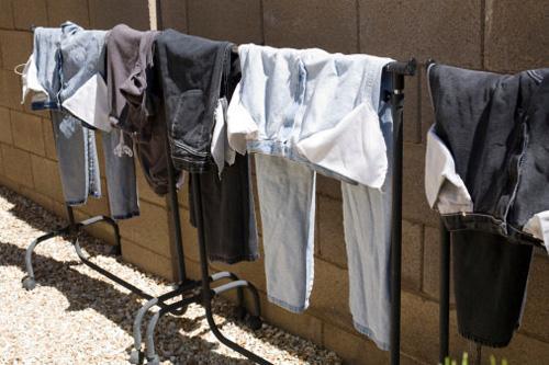 14 mẹo giữ quần áo bền đẹp mãi với thời gian