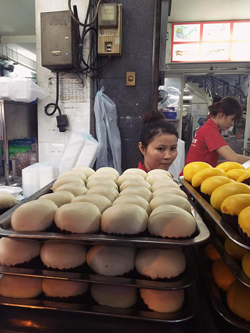 Bánh bao kim sa ở khu người hoa quận 5
