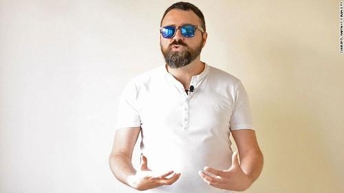 Ngôn ngữ ký hiệu tay của người italy