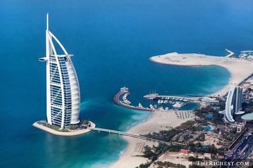10 điều nhất thiết phải làm khi tới thành phố giàu nhất thế giới